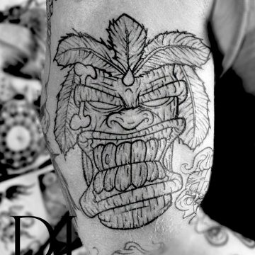 mask tattoo black